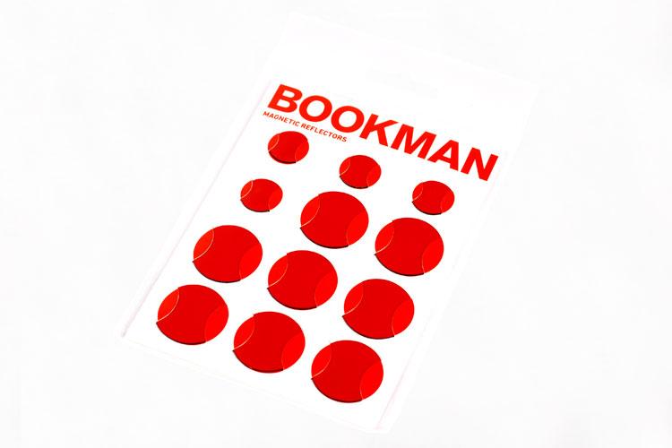 Svenska Bookman har nu Magnetic Reflectors, magnetiska reflexer i sitt sortiment. Bara att fästa på alla typer av stålramar.